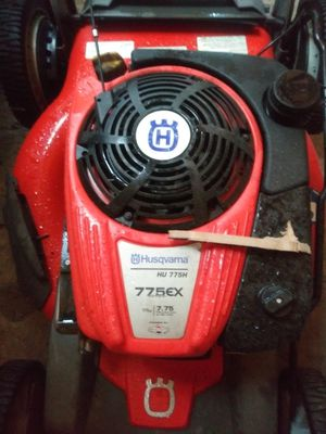 Husqvarna self propelled lawn mower for Sale in Mulberry, FL