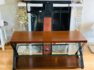TV stand/console for Sale in Kernersville, NC