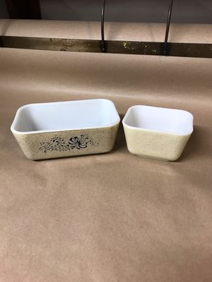 Pyrex Homestead 501 & 502 Fridgie Dishes for Sale in Temecula, CA