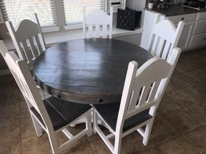 Table with 5 chairs for Sale in Little Elm, TX