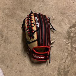 Left handed Wilson Outfield glove for Sale in Raleigh,  NC