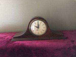 General Electric small antique clock for Sale in Pompano Beach, FL
