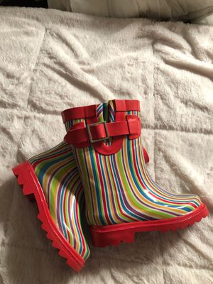 Toddler Girls Rubber Rainbow Boots Size 7-8 for Sale in Philadelphia, PA