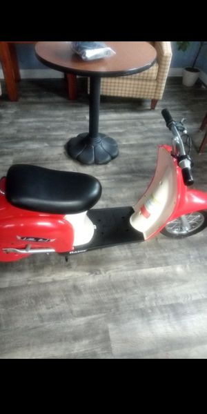 2 Razor scooters for Sale in Vancouver, WA