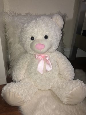 Beautiful white fluffy/ soft teddy bear for Sale in Miami, FL