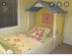 Little Tikes Twin Size Doll House bed HTF for Sale in Gustine, CA
