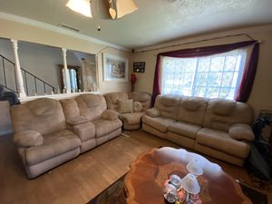 3 Piece Sectional with 2 Recliners for Sale in Corona, CA