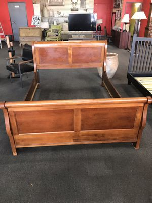 Beautiful Bed Frame for Sale in Modesto, CA