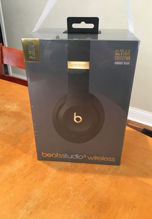 Beats Studio 3 Wireless Skyline Collection Midnight Black for Sale in Morton Grove, IL