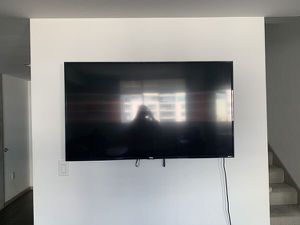 55-Inch 4K Ultra HD Roku Smart LED TV Rarely Used Like NEW 1Day Uptime for Sale in Los Angeles, CA