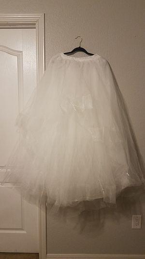 Ruffled tulle wedding skirt - White for Sale in Florence, TX