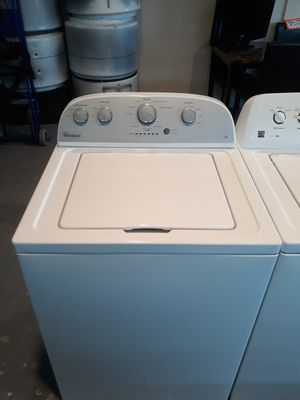 NEWER WHIRLPOOL WASHER for Sale in Edgewater, FL