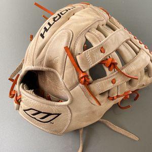 Softball/ Baseball Glove W/ Nike Baseball Bag for Sale in Roy, WA