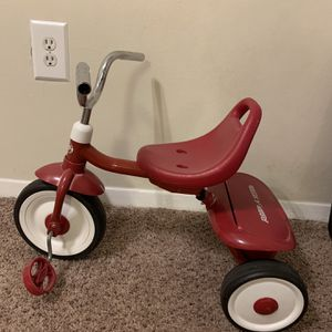 Radio Flyer Ready-To-Ride Folding Tricycle, Red for Sale in Greenbelt, MD