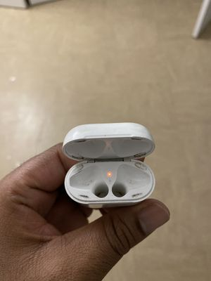 Apple air pod case 1st gen for Sale in The Bronx, NY