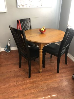 ROUND TABLE for Sale in Los Angeles, CA