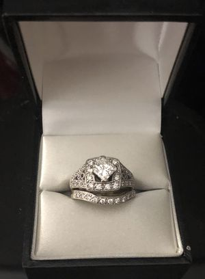 Stunning, sparkling engagement ring and band - Size 6.5 for Sale in Eastvale, CA