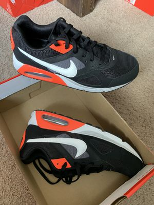 AirMax IVO Sz 10.5 Men for Sale in Los Angeles, CA