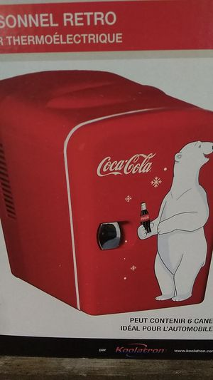 Retro coca cola mini refrigerator for Sale in Dallas, TX