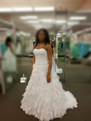 Wedding Dress-NEVER WORN for Sale in Richmond, VA