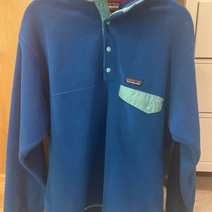 Fleece Patagonia Unisex Pullover Hoodie W/ Buttons for Sale in Poway, CA