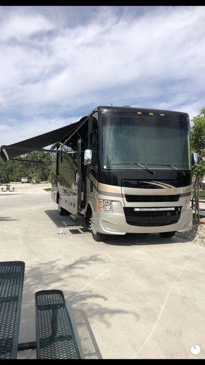 2016 Tiffin allegro 19,000 miles Rv class a for Sale in Modesto, CA