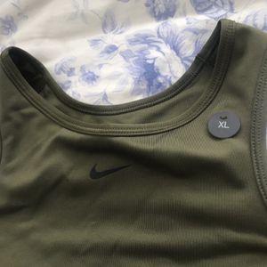 Nike Top for Sale in Miami, FL
