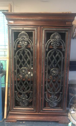 Wine cabinet for Sale in Nashville, TN