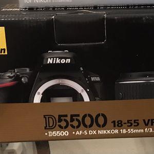 Nikon D5500 DSLR Camera 18-55mm VR II Lens Kit for Sale in Vancouver, WA
