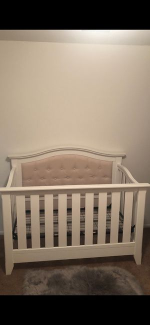 Baby nursery crib (white and pink) for Sale in Saint Charles, MO