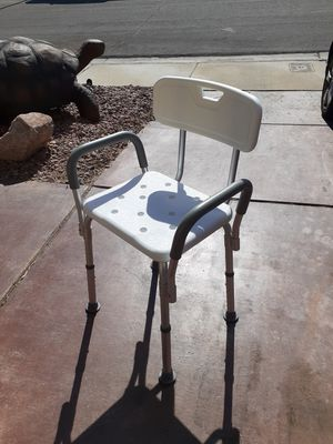 Health equipment toliet riser, shower chair, walker for Sale in Las Vegas, NV