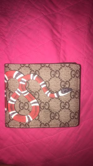 Gucci men's wallet for Sale in Springfield, VA