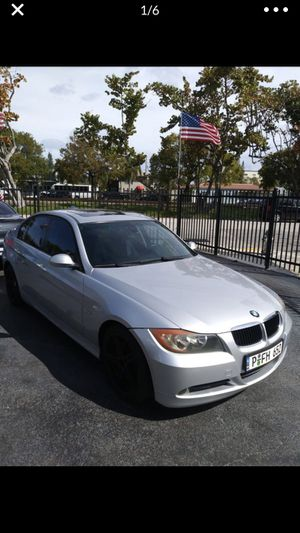 BMW 328i 2007 clean title Only have a scratch in the door The car is perfect condition Are use it every day to go to my work Lo uso diario para ir a for Sale in Hialeah, FL