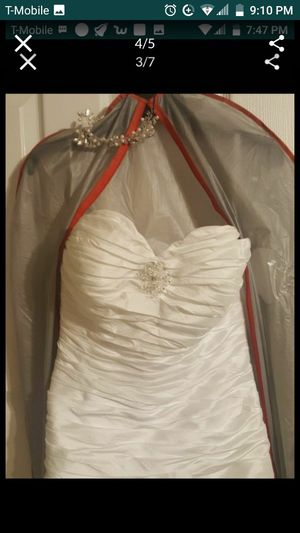 Wedding dress size 6/7 and shoes for Sale in Lehigh Acres, FL