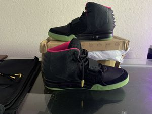 Pre-Owned Nike Air Yeezy 2 NRG Solar Red Size 13 for Sale in Pearland, TX