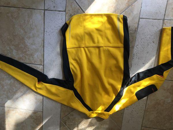 Cannondale feel fit size X USA . Bike jacket .