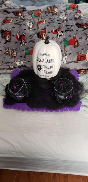 Halloween Centerpiece for Sale in Stickney, IL