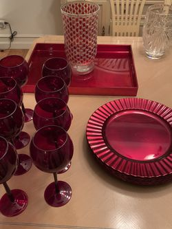 Wine glasses, Chargers, Serving tray, Vase for Sale in Renton,  WA