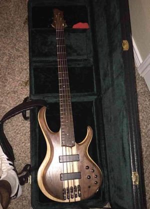 Ibanez deluxe bass for trade for Sale in San Antonio, TX