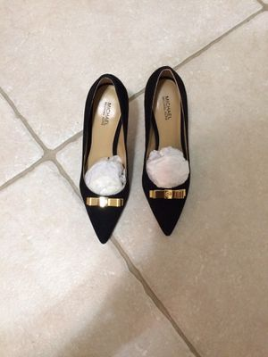 Size 6 Michael Kors shoes for Sale in Miami, FL