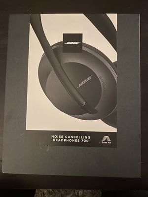 Bose Noise Cancelling Headphones for Sale in Los Angeles, CA