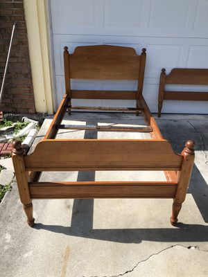 Twin Bed (2) Whitney Wooden for Sale in Port St. Lucie, FL