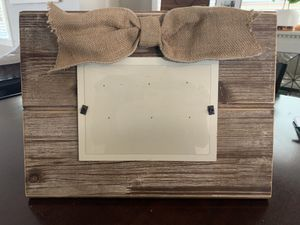 LIKE NEW Wooden picture frame with burlap bow for Sale in Nashville, TN
