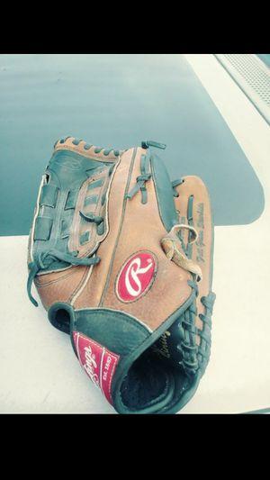 Baseball glove for Sale in Cupertino, CA