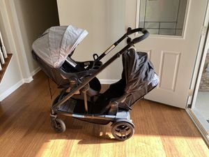 Uno2duo double stroller for Sale in Murfreesboro, TN