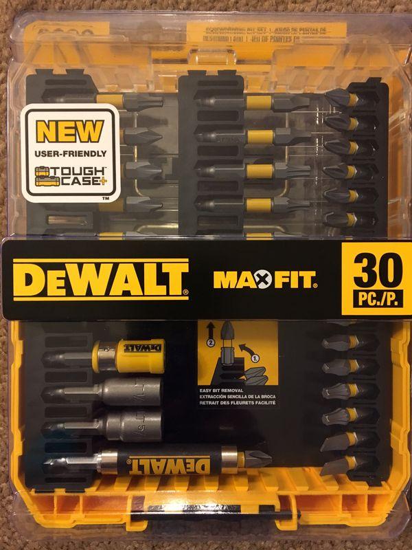 Dewalt max fit bit set