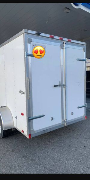 BOX ENCLOSED TRAILER 6X10 IN GOOD CONDITION EVERYTHING WORKS GREAT for Sale in Los Angeles, CA