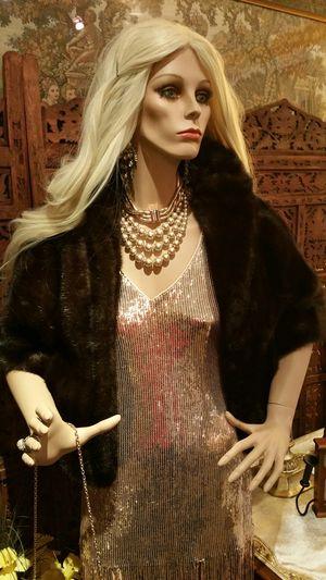 Graf's Furs Genuine Mink Fur Shawl for Sale in San Diego, CA