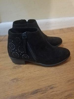 Little girls boots size 4 grade school age for Sale in Corbin, KY