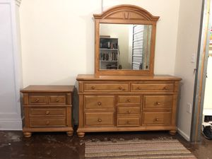 light brown dresser + end table for Sale in Knoxville, TN